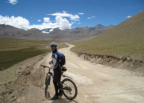 16 Days Lhasa to Everest Base Camp Biking Tour